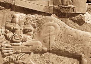 نمایش شیرها و گاوهای ایران باستان