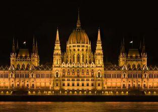 بوداپست شهر چشمه های معدنی