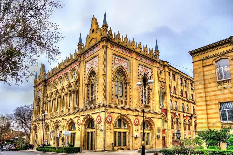 قصر اسماعیلیه باکو