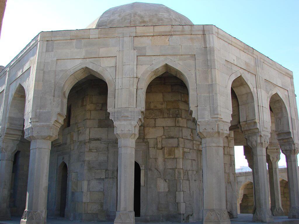 نمای داخلی قصر شیروان شاه