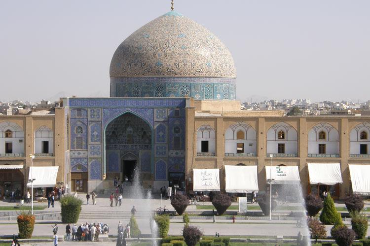 نمای کلی مسجد شیخ لطف الله اصفهان