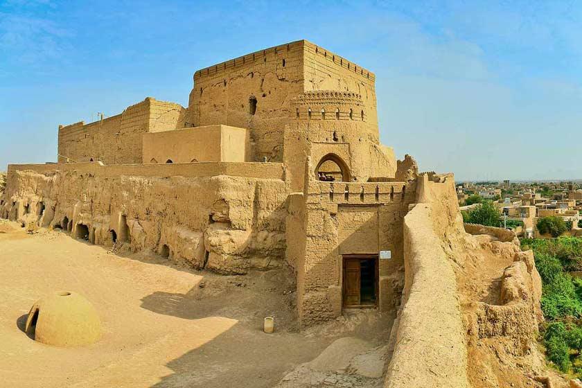 نارین قلعه در میبد